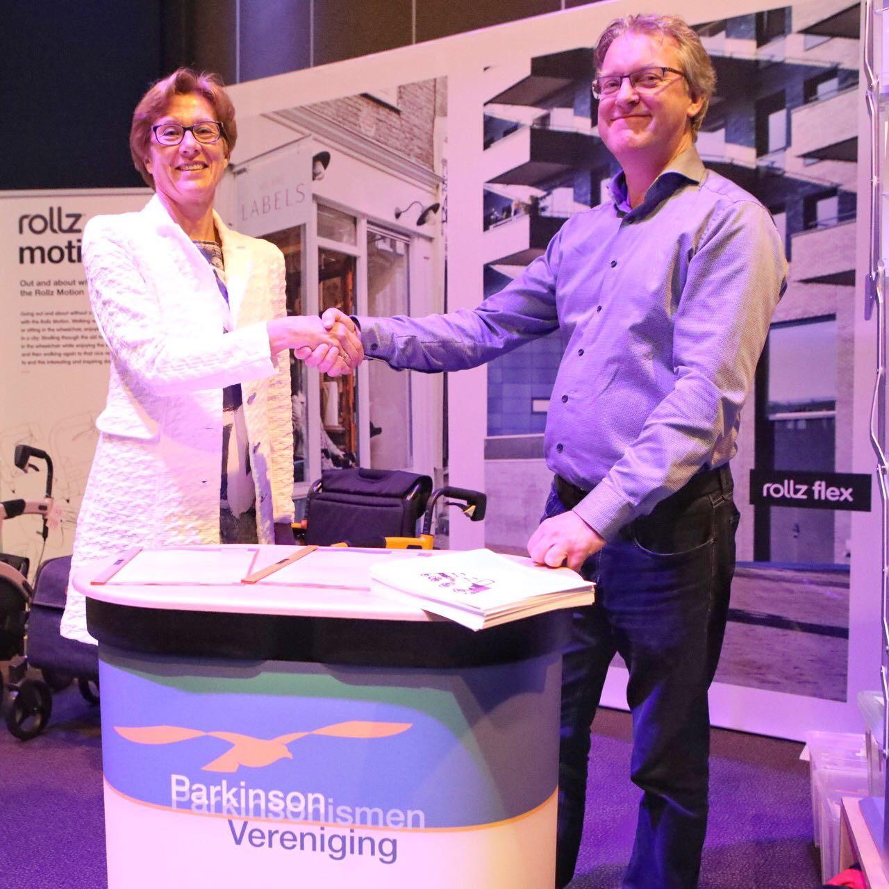 Rollz steunt de Parkinson Vereniging, samenwerkingsovereenkomst tussen Rollz en Parkinson Vereniging getekend op 8 april 2017 (2)