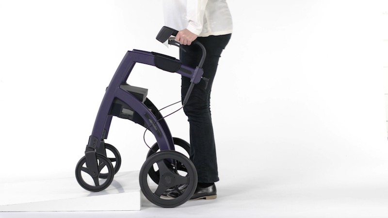 Rollz Motion  Rollator über Schwellen