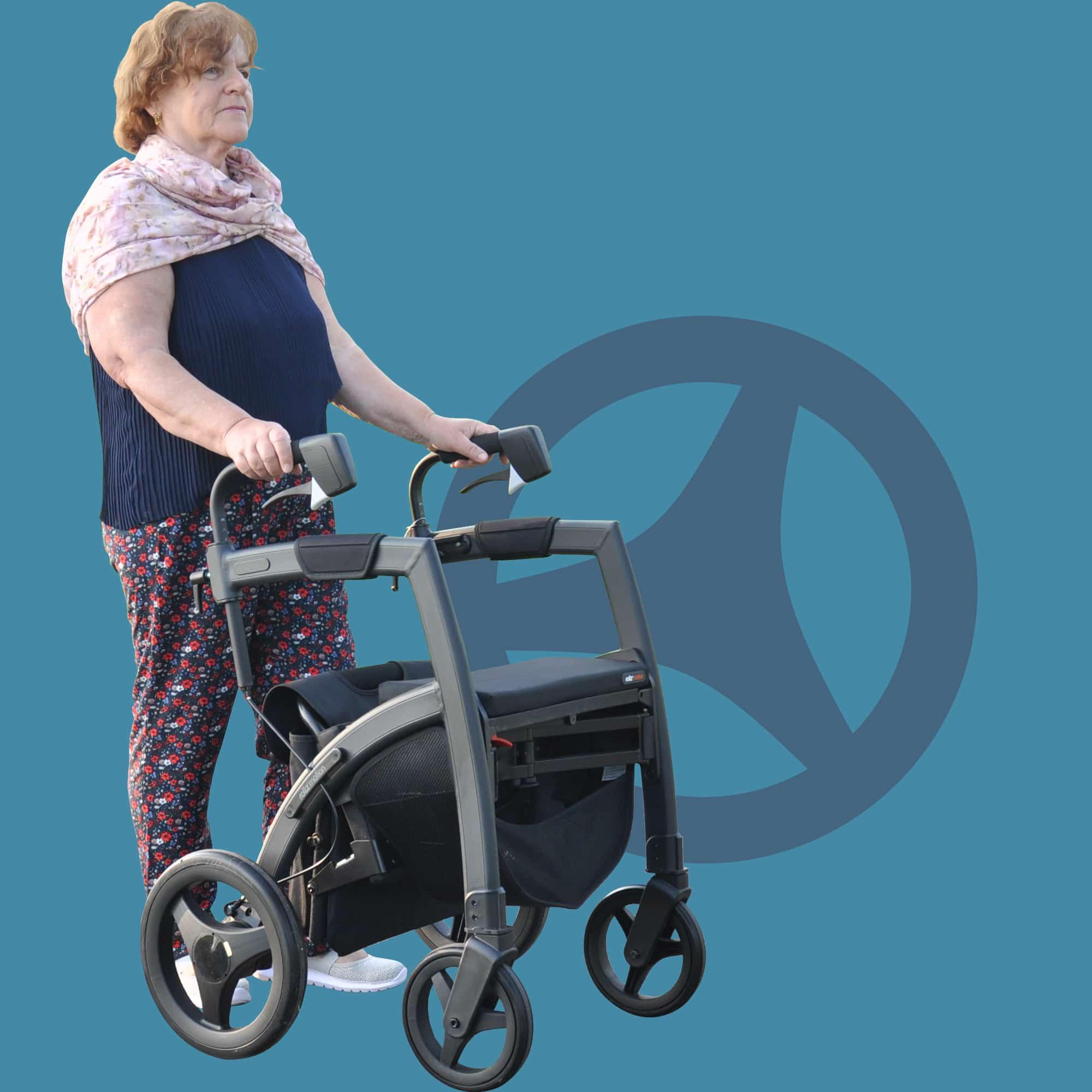 Vrouw loopt stabiel met een Parkinson rollator met cues