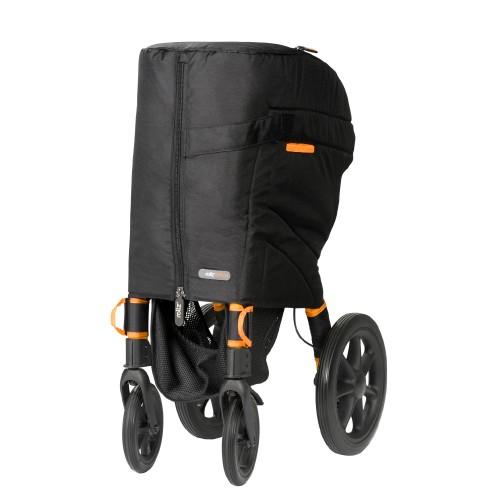 Rollz Motion rollator en rolstoel beschermd door een reishoes